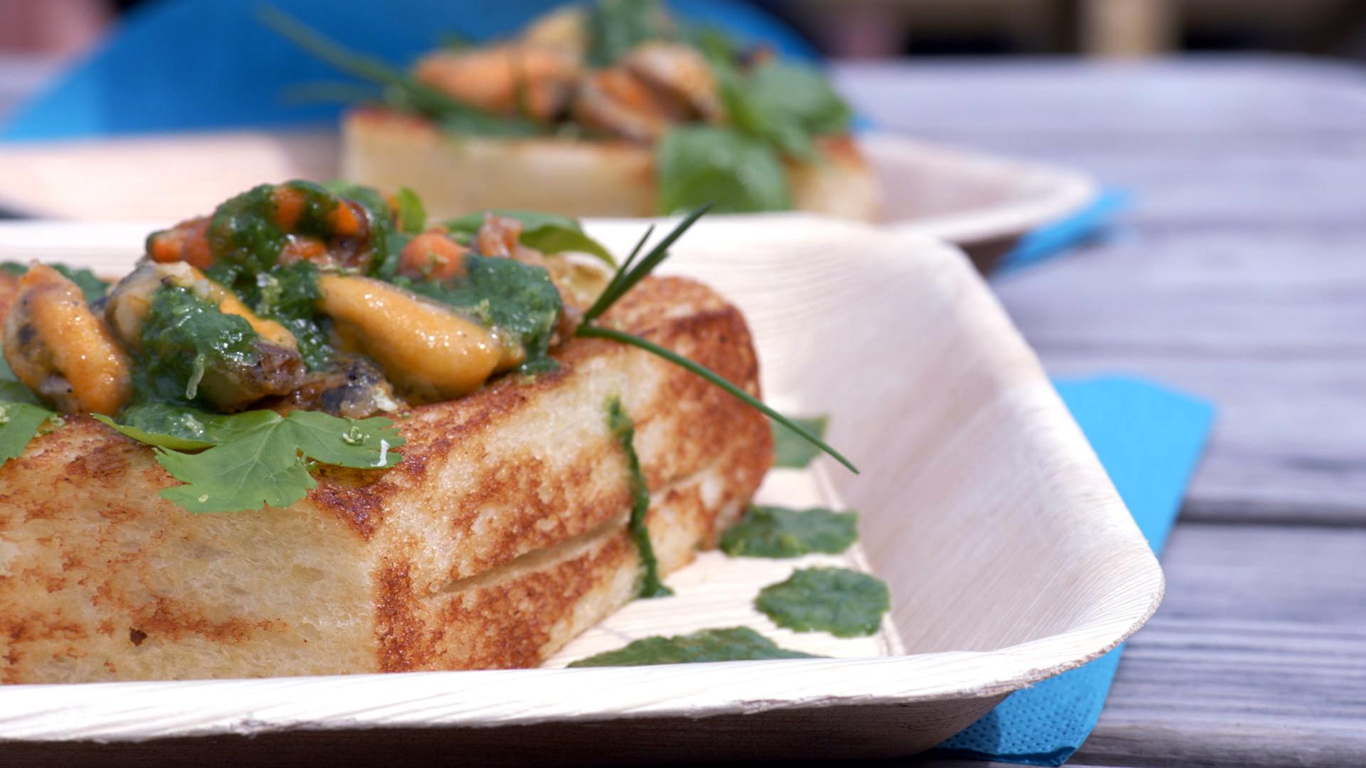 Toast met gebakken mosselen vtm koken - Koken afbeelding ...