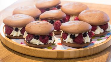 Whoopies met vanillecrème en rood fruit