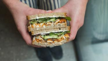 On-the-go sandwich met pittige Koreaanse kalkoen