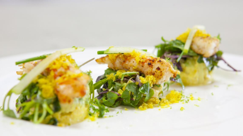 Gebakken langoustines met kerrie zure room avocado en granny smith vtm koken - Ma voorgerecht ontwerp ...